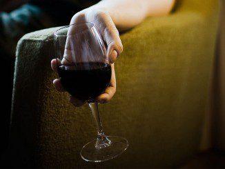 suhoe-vino-figura